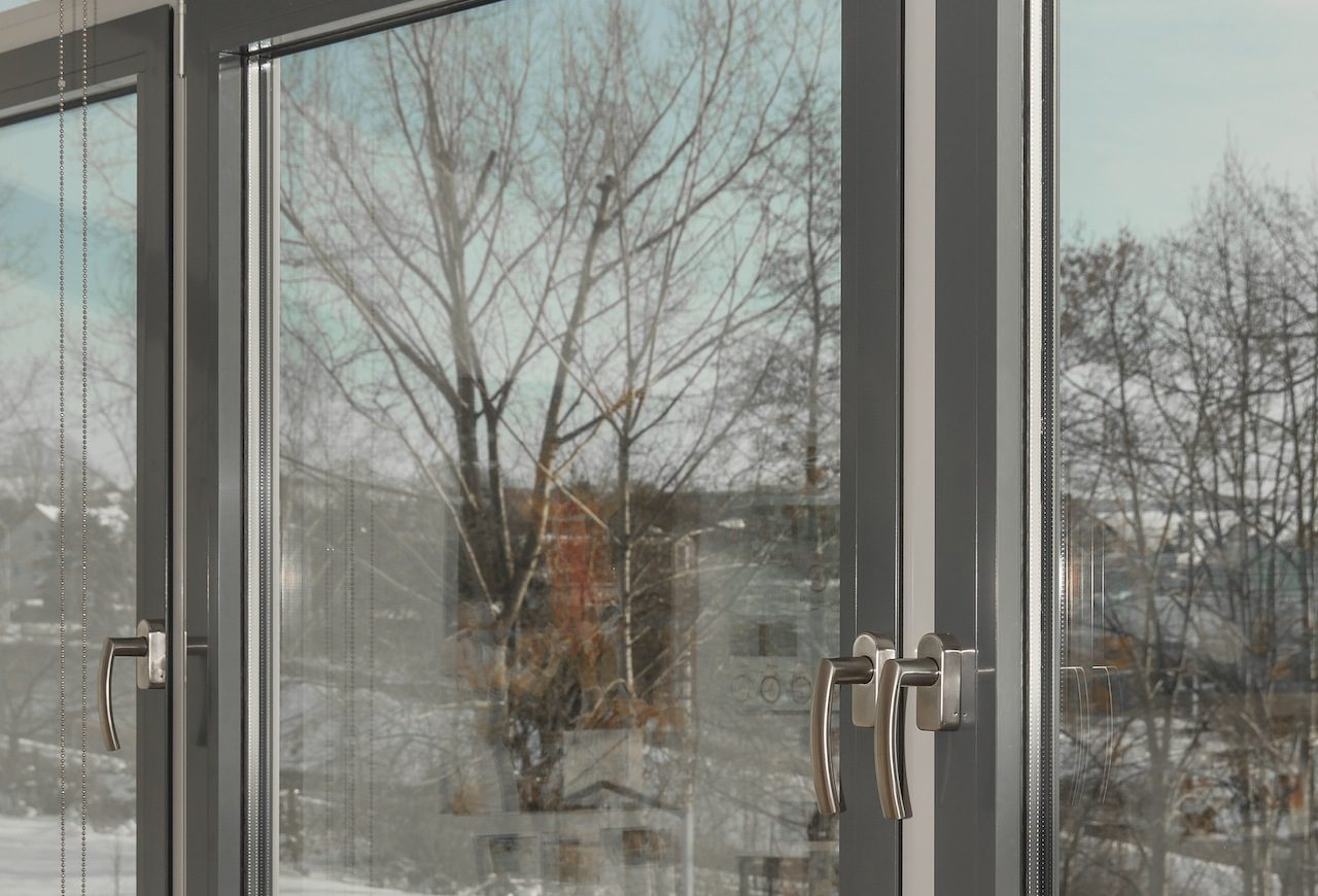 https://climalit.es/blog/wp-content/uploads/2016/02/tipos_de_acristalamiento_para_ventanas-1280x870.jpg