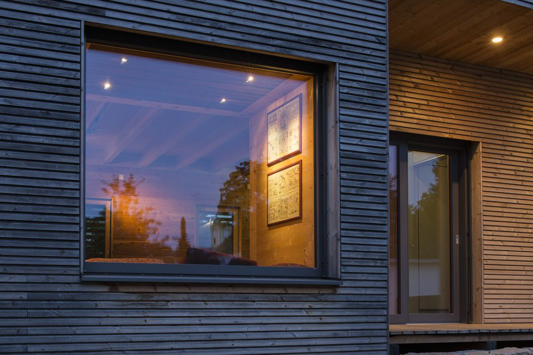https://climalit.es/blog/wp-content/uploads/2016/05/cristaleria_online_elegir_vidrio_ventanas-1080x720.jpg