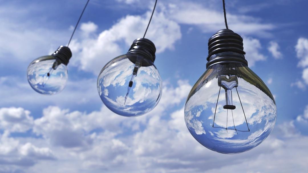 https://climalit.es/blog/wp-content/uploads/2017/08/como-ahorrar-energia-en-casa.jpeg