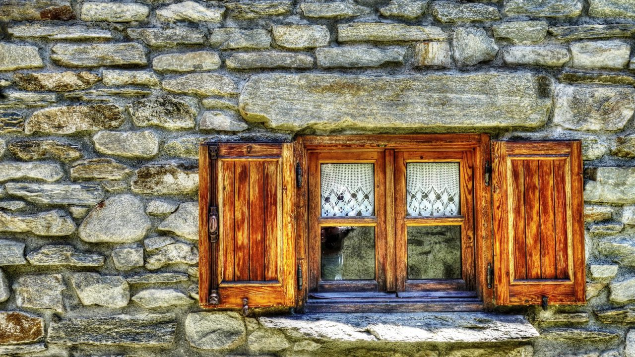 https://climalit.es/blog/wp-content/uploads/2017/10/ventanas-de-madera-antiguas-1280x720.jpeg