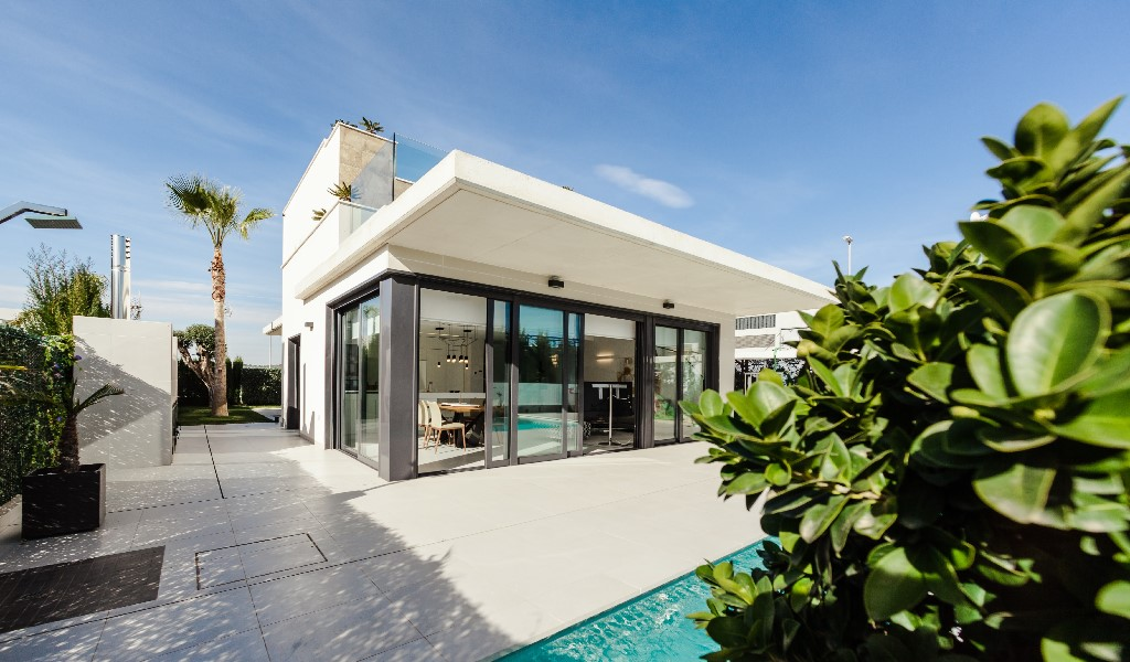 https://climalit.es/blog/wp-content/uploads/2020/04/ventanas-admirar-exterior.jpg