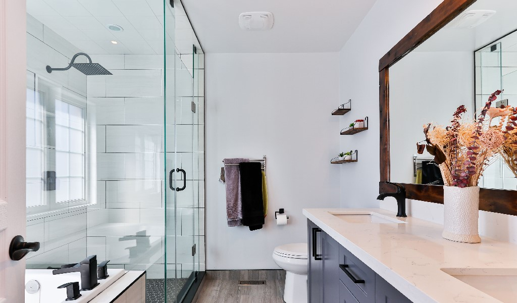 https://climalit.es/blog/wp-content/uploads/2020/06/Decoracion-baño.jpg