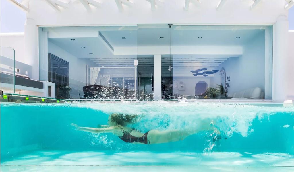 Ideas para disfrutar de una piscina en jardines pequeños