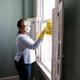 limpiando ventanas