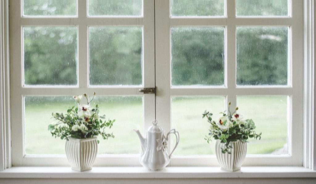 Ideas para decorar el alfeizar de tu ventana