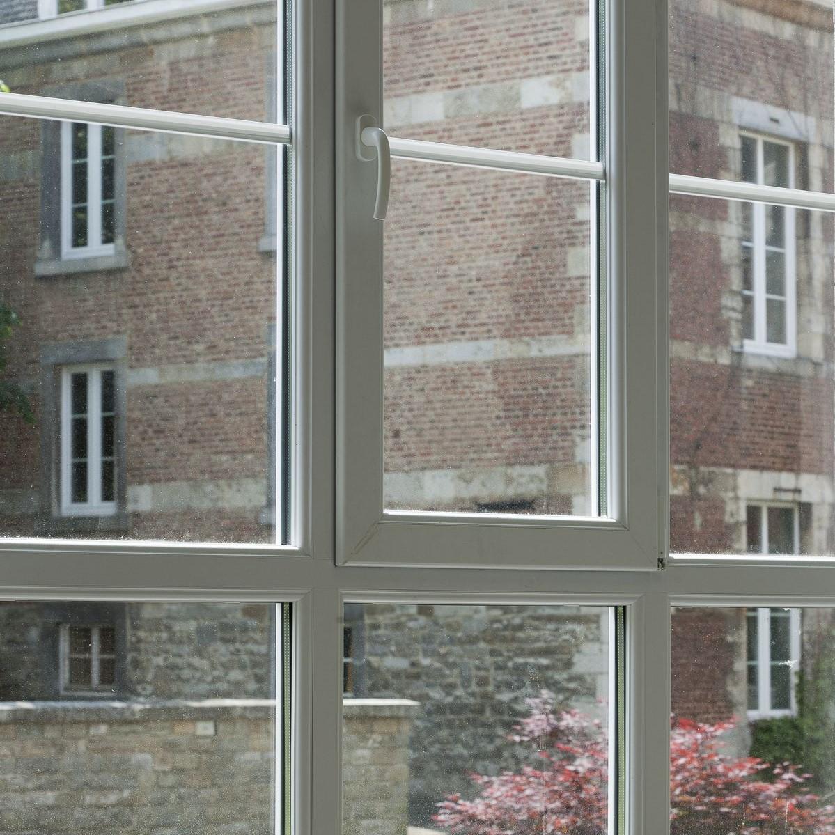 Mantenimiento de ventanas de PVC y aluminio.