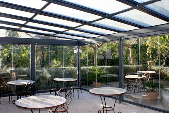 Tipos de cerramientos de cristal climalit for Cerramientos patios interiores