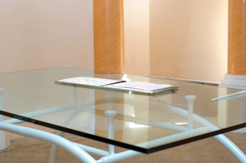 vidrio templado en mesa